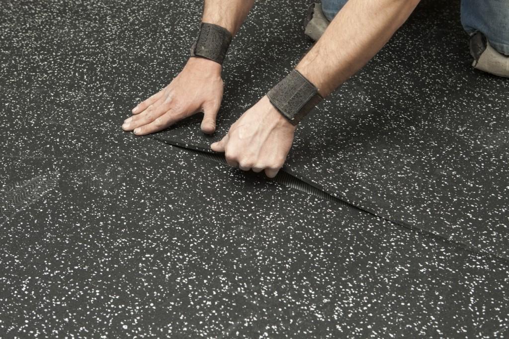 Báo giá thảm cao su phòng gym là bao nhiêu?
